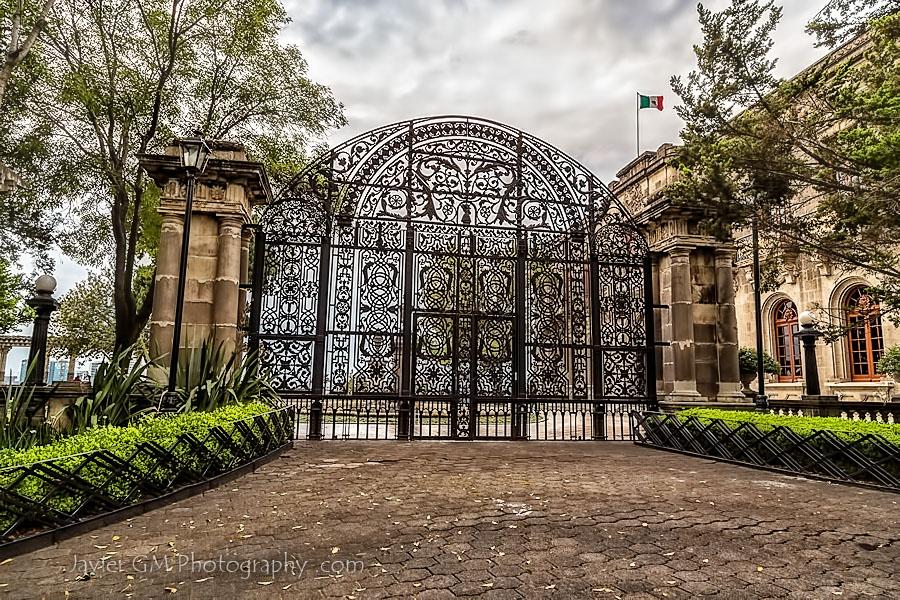 Las puertas de hierro estampas de m xico - Puertas de hierro para jardin ...